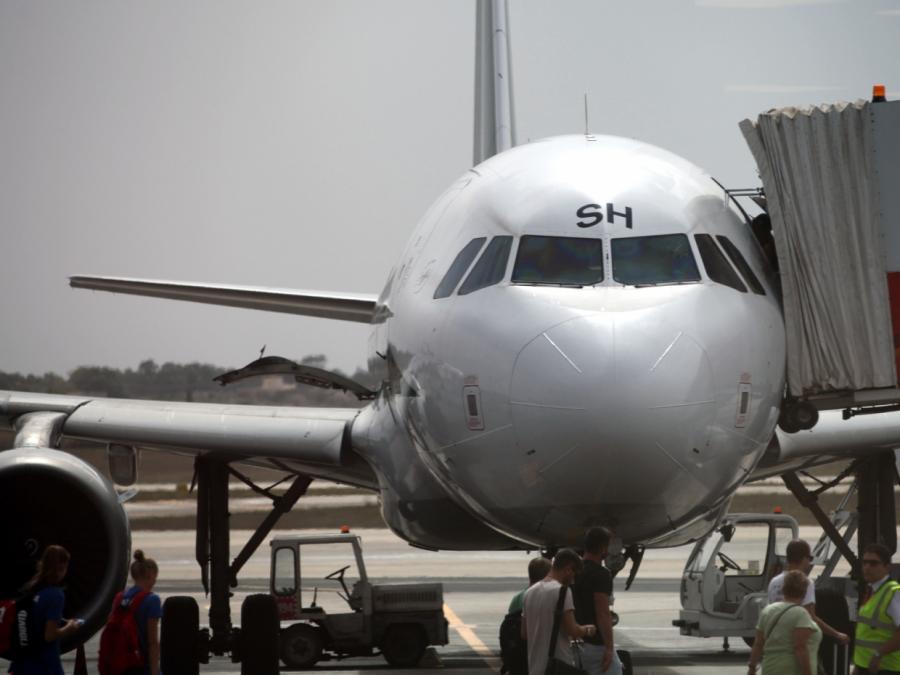 Mehr Fluggäste ins Ausland gereist