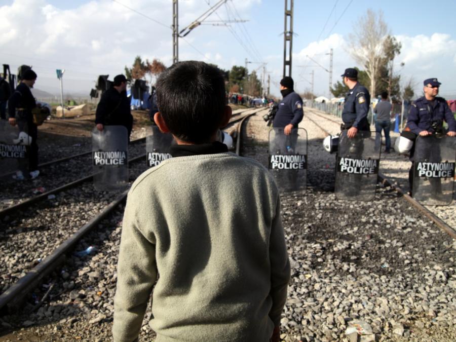 Minderjährige Flüchtlinge aus Griechenland in Hannover eingetroffen