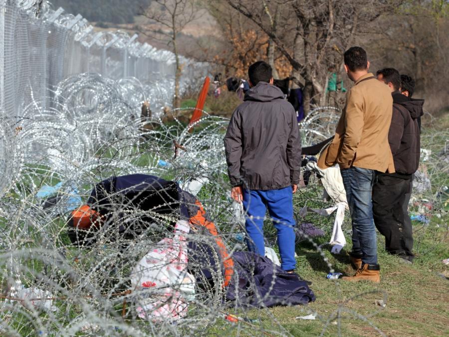 Blüm kritisiert fehlende Menschlichkeit in Asyldebatte