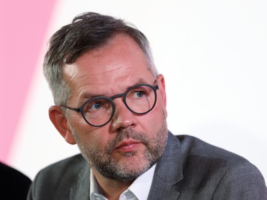 Roth: EU-Gelder bei Justiz- und Presseverstößen kürzen