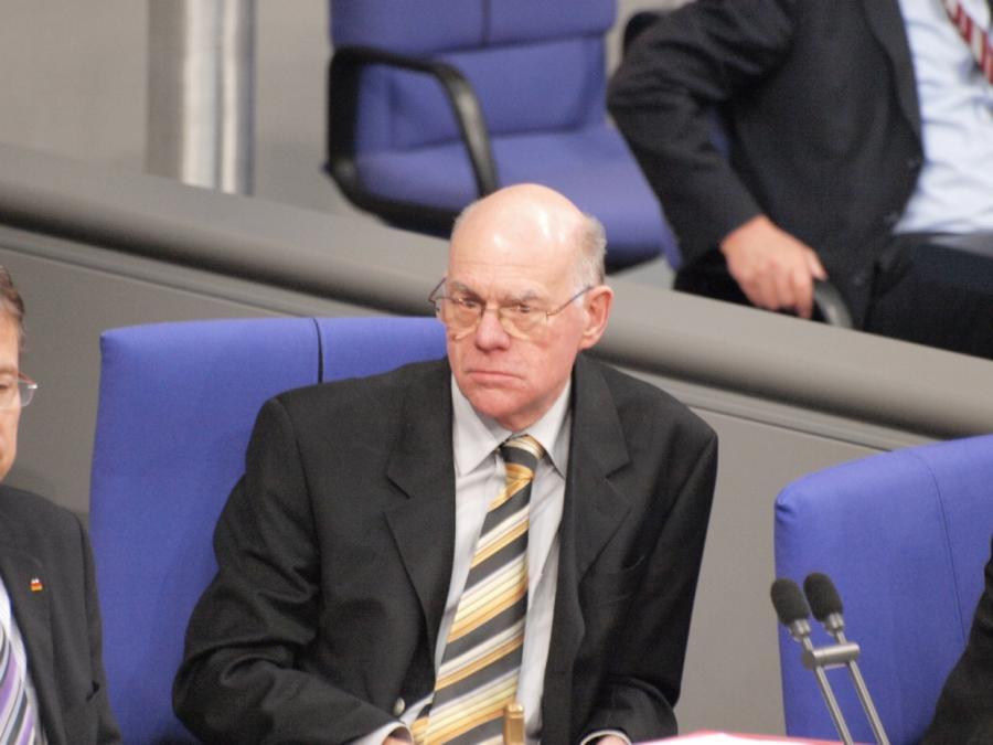 Lammert kritisiert Debattenkultur im Bundestag