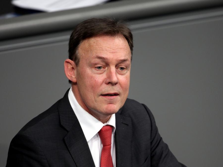 Oppermann: Merkel lässt Streit mit Seehofer eskalieren