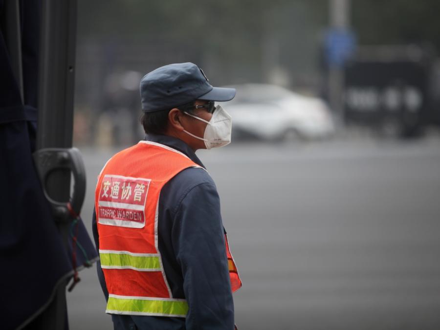 Chinesische Stadt testet Spritzwasser gegen Fußgänger-Delikte
