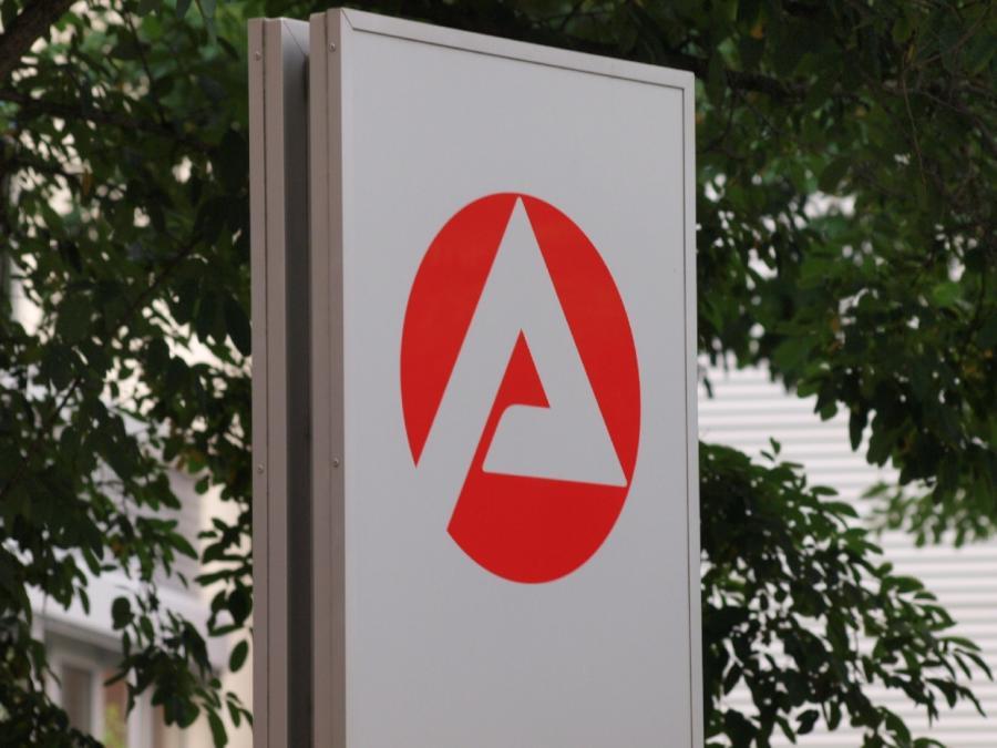 Arbeitsagentur gegen längeren Bezug von ALG I