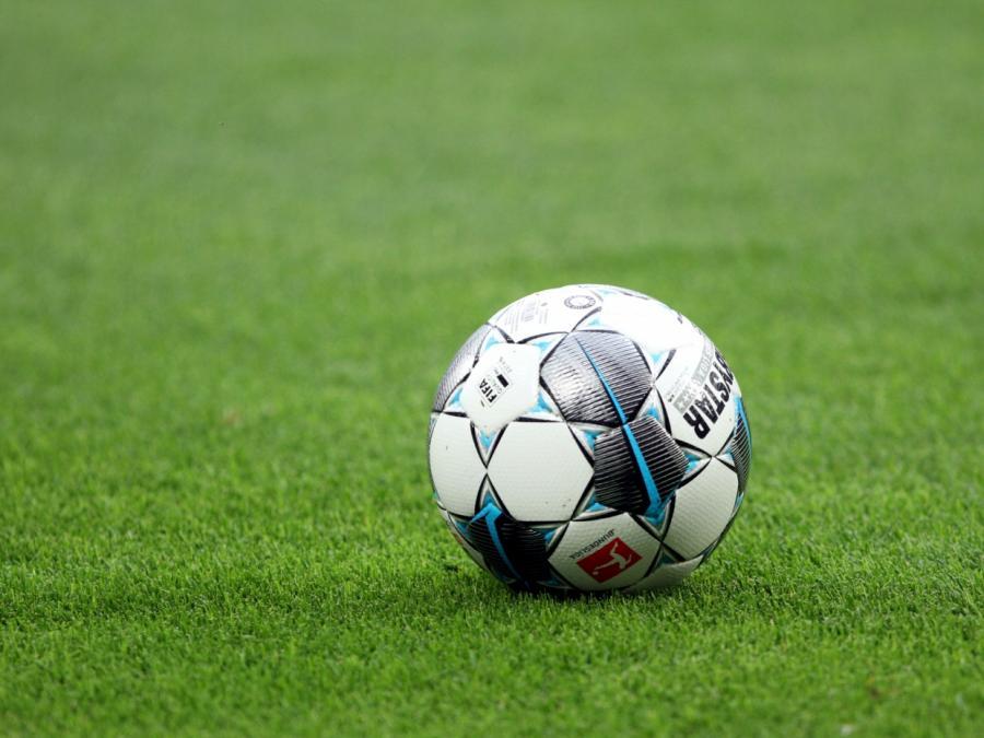 Bibiana Steinhaus war vor erstem Bundesliga-Spiel nervös