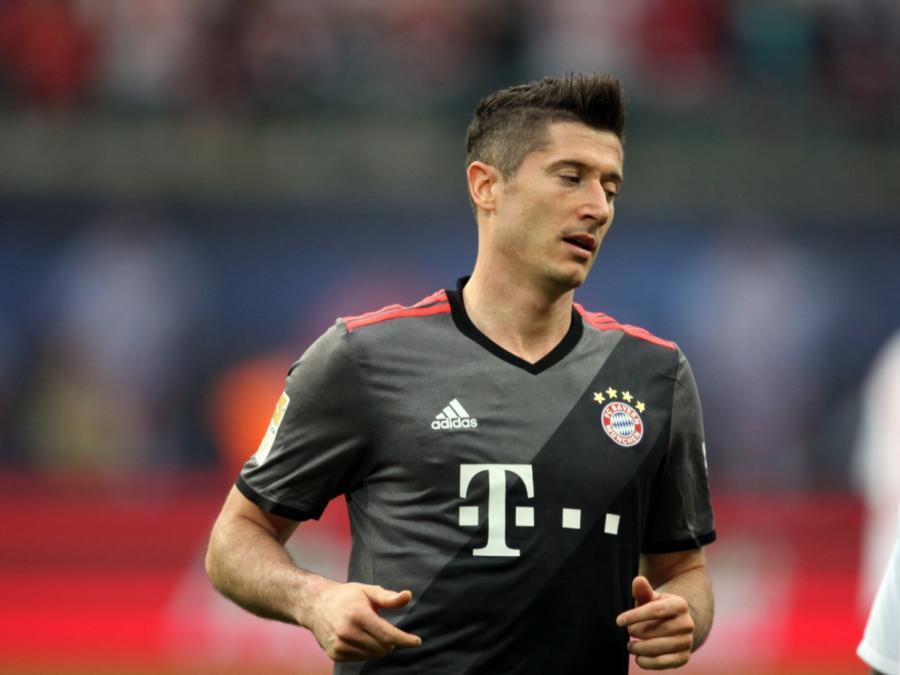 1. Bundesliga: Bayern München deklassiert Frankfurt