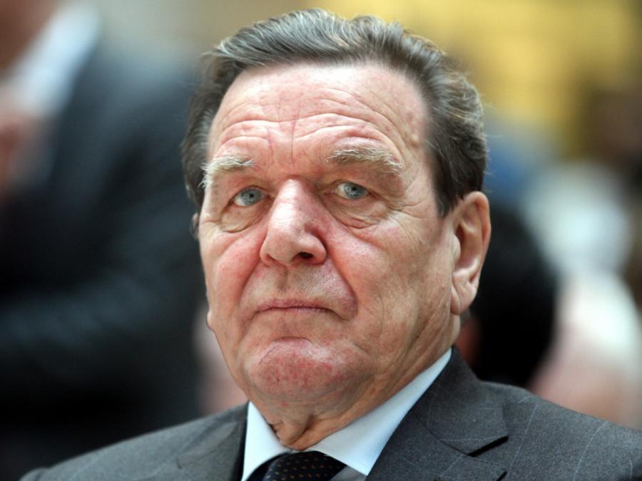 Ukrainischer Außenminister will Sanktionen gegen Gerhard Schröder