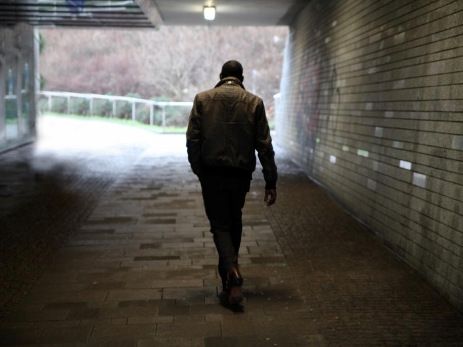 Immer mehr abgelehnte Asylbewerber wehren sich gegen Abschiebung