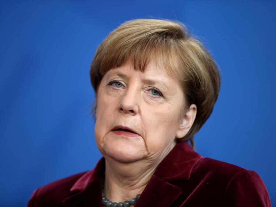 Merkel liest gerne Bücher über den 30-jährigen Krieg