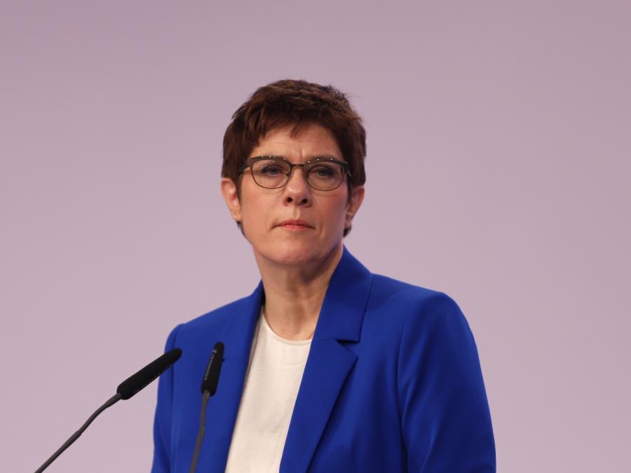 Habeck kritisiert AKK-Vorschlag zu Sachsen-Anhalt