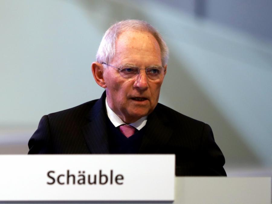Schäuble für Rettungs- und Asylzentren außerhalb der EU