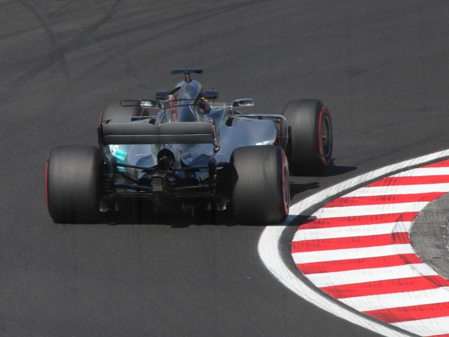 Hamilton verlängert Vertrag bei Mercedes