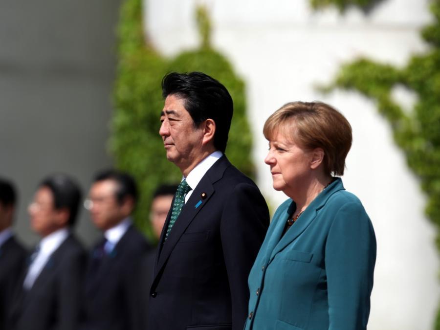 Merkel kondoliert Abe nach Flutkatastrophe in Japan