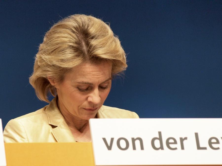 EU-Politiker Sonneborn kritisiert von der Leyen