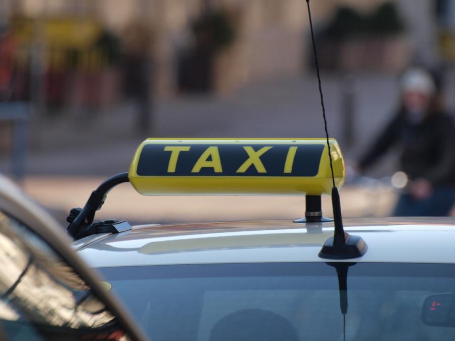 GroKo: Pflegebedürftige dürfen immer mit Taxi zum Arzt