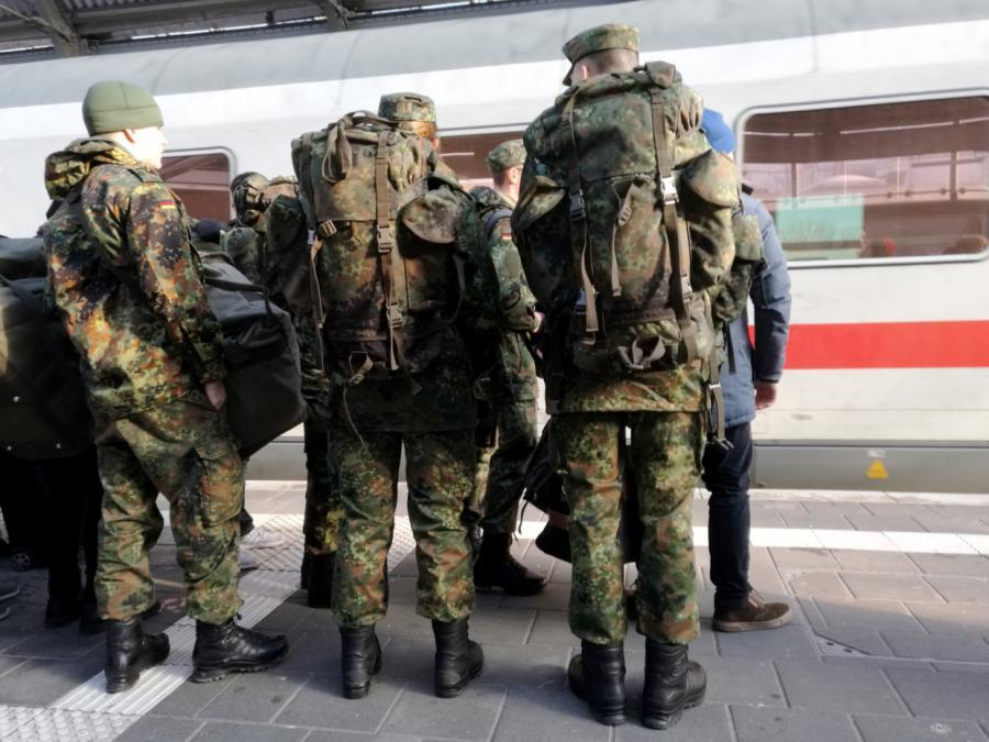 Wehrdienst im Heimatschutz zieht viele Minderjährige an