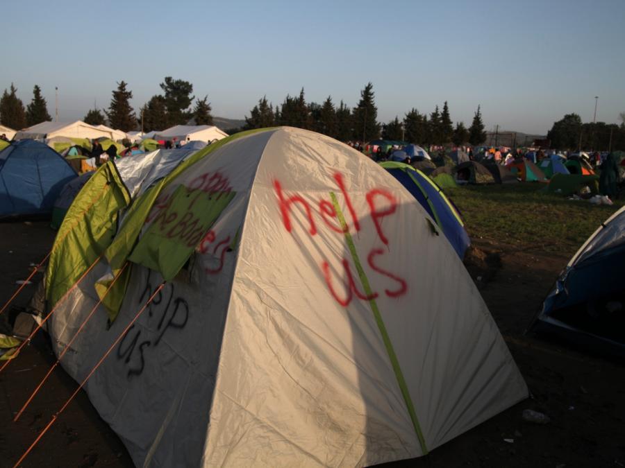UN-Flüchtlingskommissar fordert dringend Gespräche mit EU-Staaten