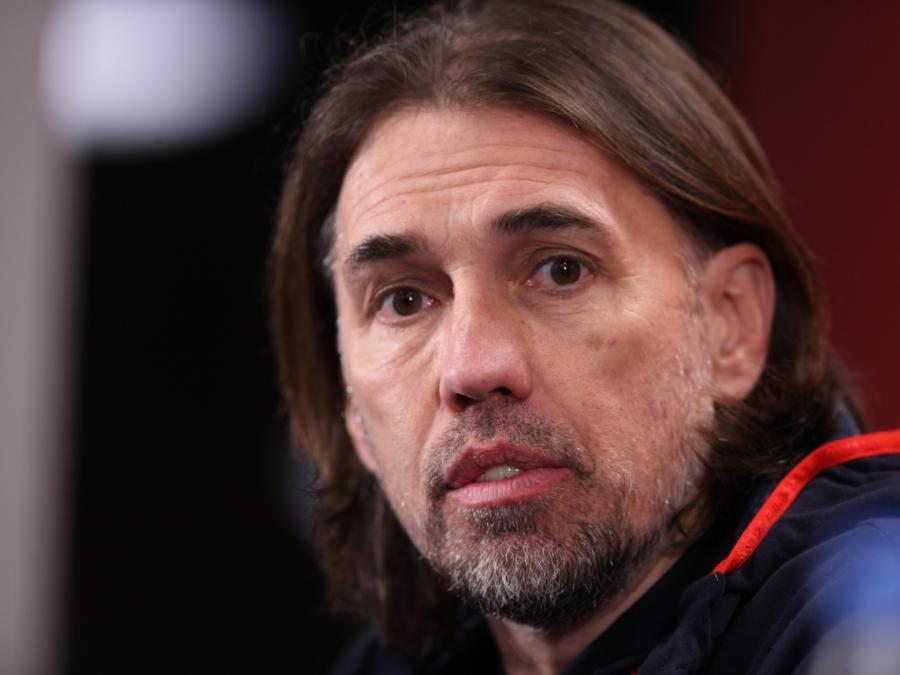 FC Augsburg trennt sich von Cheftrainer Baum - Schmidt übernimmt