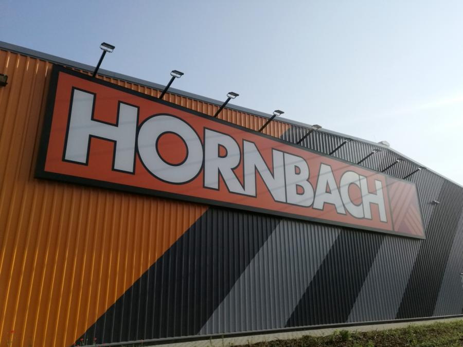 Hornbach-Chef hält an provokanter Heimwerker-Werbung fest