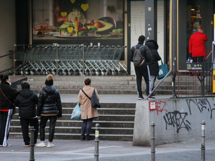 HDE befürchtet volle Geschäfte, Warteschlangen und Hamsterkäufe