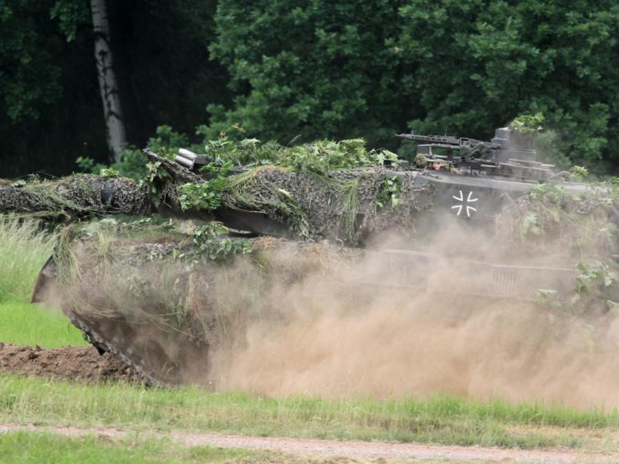 Bundeswehr muss noch Jahre auf neue Leopard-2-Panzer warten