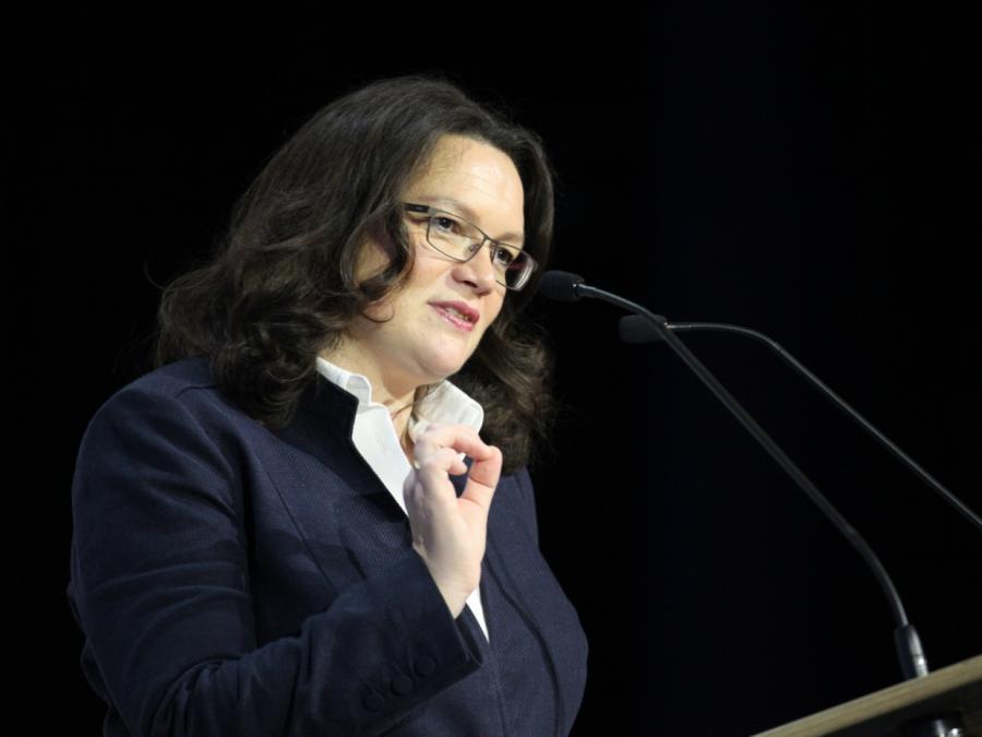 SPD-Chefin weist von der Leyens Etat-Nachforderungen zurück