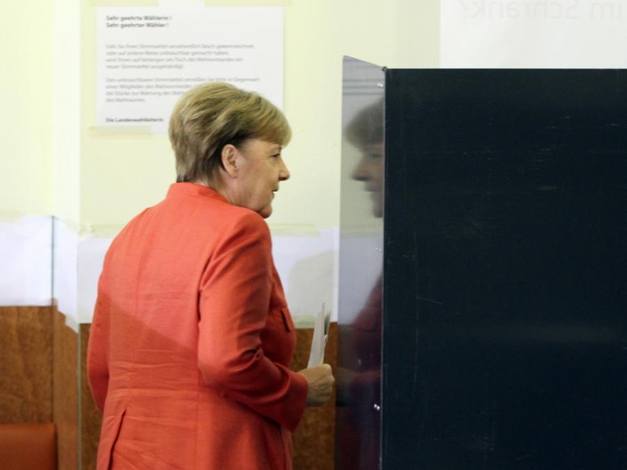 Merkel holt eigenen Wahlkreis - mit großem Verlust