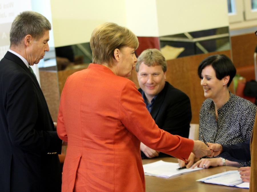 Union bleibt unter 33 Prozent - AfD drittstärkste Kraft