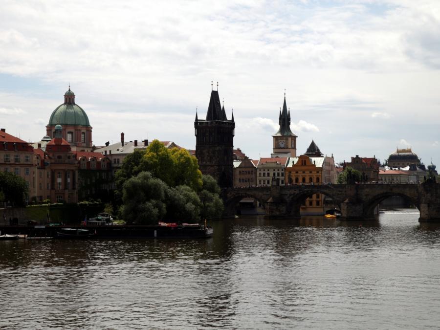 Prager Bürgermeister sieht Chinas Wirtschaftsaktivitäten kritisch