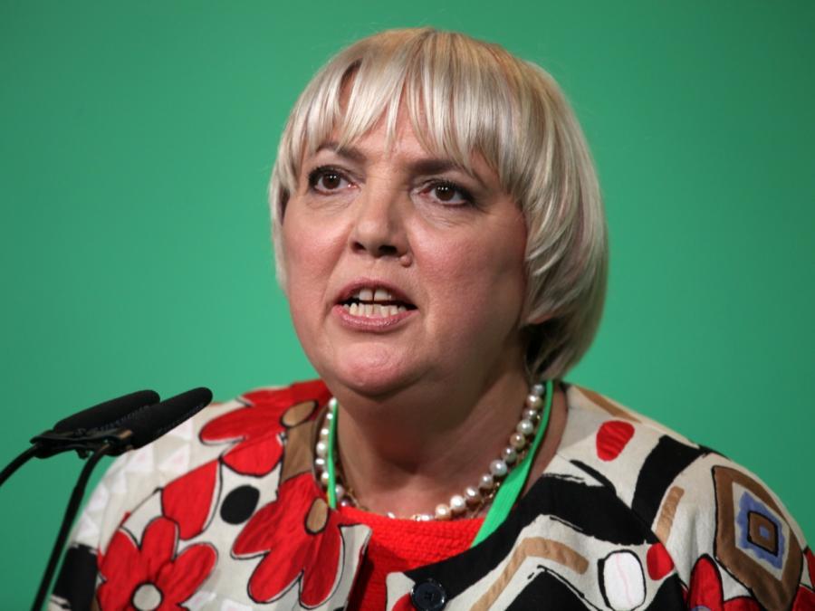 Grünen-Politikerin Roth: Fußballer sind keine