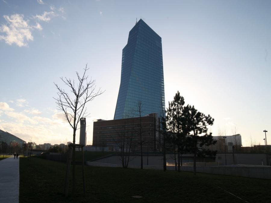 Ex-EZB-Chefvolkswirt: Ausstieg aus Anleihekäufen