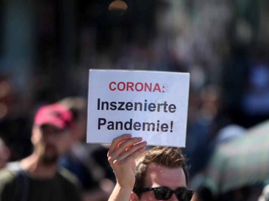 Polizei verteidigt Vorgehen bei Corona-Demo in Berlin