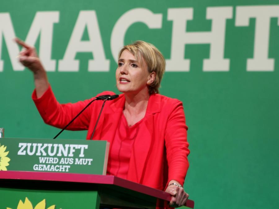 Simone Peter kündigt erneute Kandidatur als Grünen-Chefin an