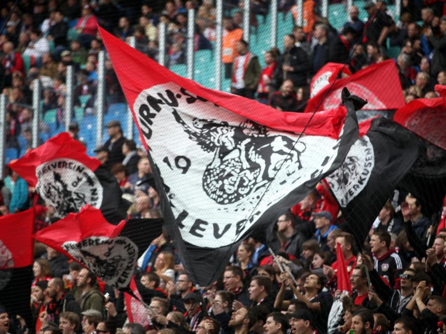 Unionsfraktion gegen Zuschauer im Fußballstadion