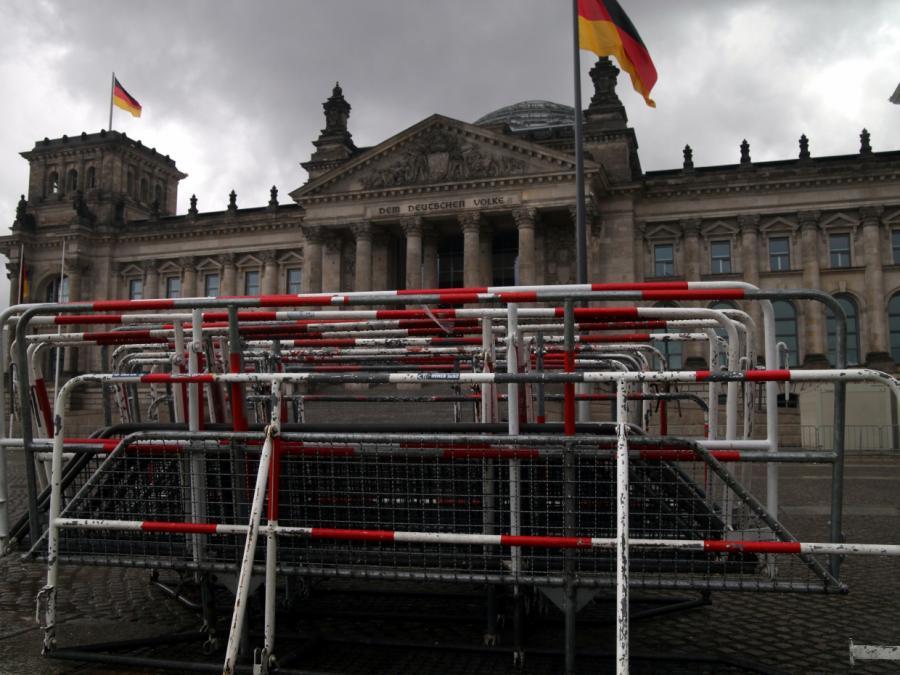 Bundestagsvizepräsident: Reichstagsgebäude ist sicher