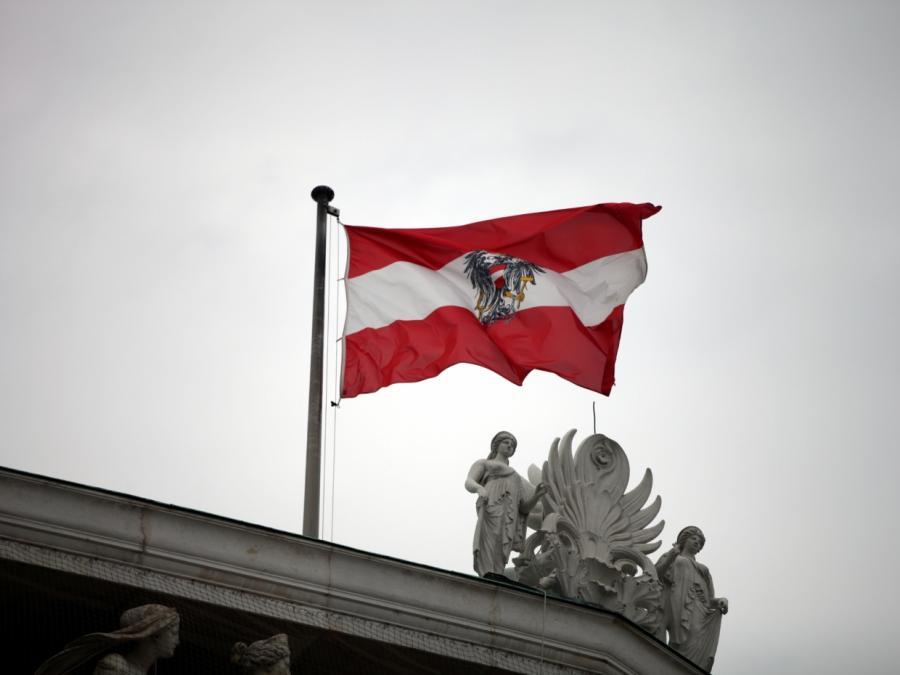 Österreichs Bundespräsident vereidigt Übergangsregierung