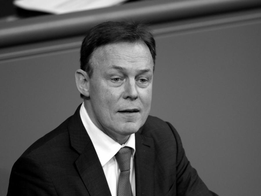 Trauer und Bestürzung nach Tod von Thomas Oppermann