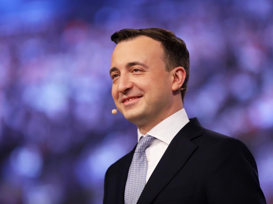 CDU-Generalsekretär verteidigt Nebenverdienste von Abgeordneten
