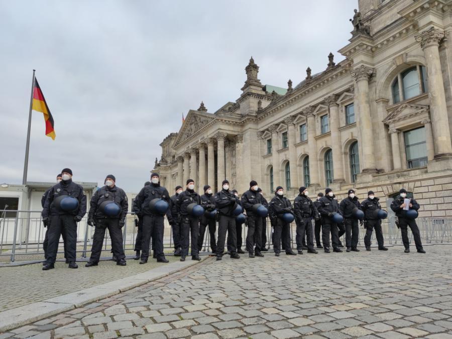 Bundestag vor Änderung von Infektionsschutzgesetz abgeriegelt