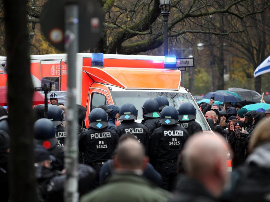 Verletzte und fast 200 Festnahmen bei Protesten am Bundestag