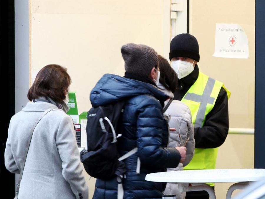 Astrazeneca-Zulassung womöglich nur für Menschen unter 65