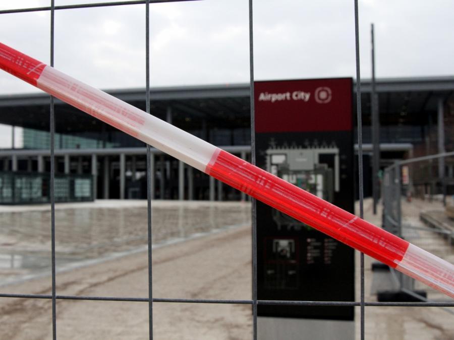 Lufthansa-Vorstand hält BER-Abriss für möglich
