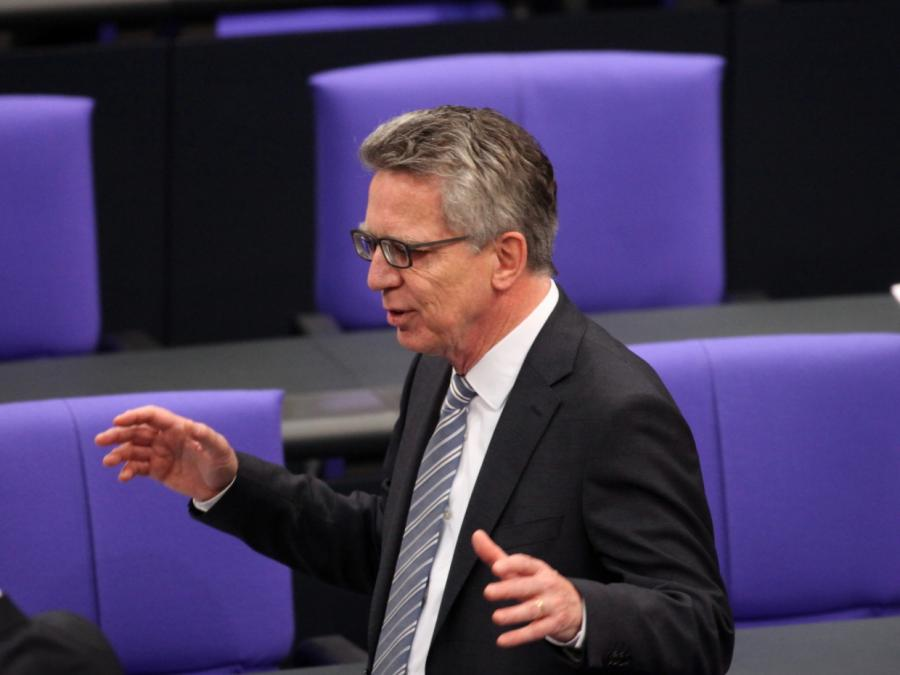 Ex-Innenminister de Maizière freut sich über seine neue Freiheit