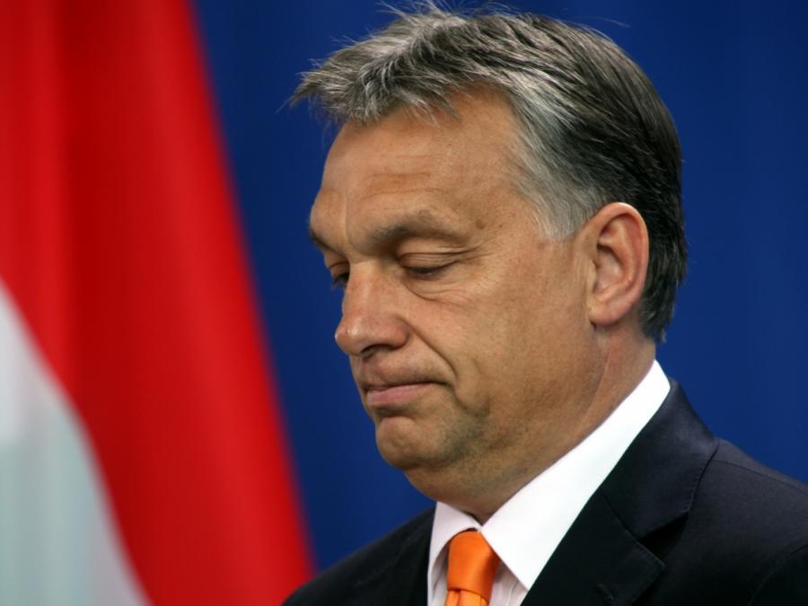 Erste EVP-Politiker stützen Orbán